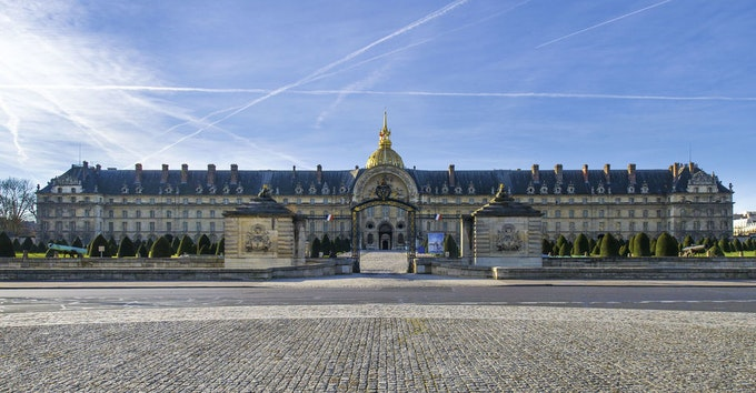 Les Invalides: Napoleon's Tomb & Army Museum