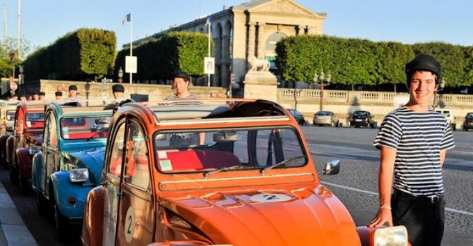 Paris in a Vintage Car with a Local - 45mn