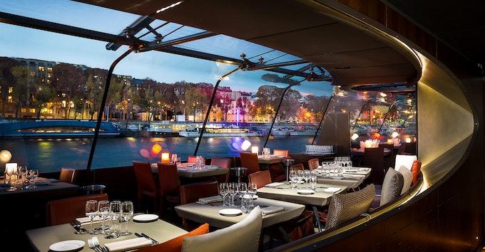 Paris : dîner croisière Bateaux Parisiens