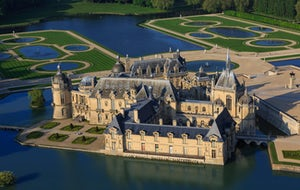 Domaine de Chantilly | Open Ticket From 7th March to 5th July, Raphael. The teacher and his pupils