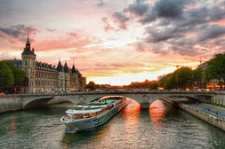 1-hour River Cruise on the Seine